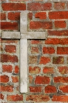 cross_in_bricks_100x150